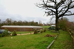 Oakfield Farm, Chessington